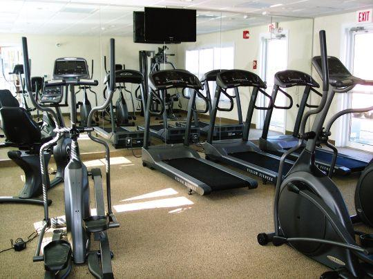 treadmills in workout room