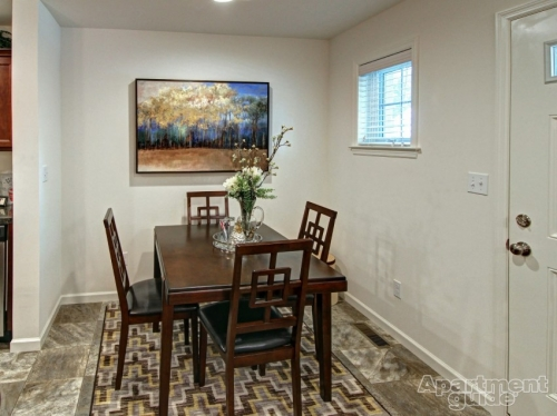 dining room with 4 chairs and table