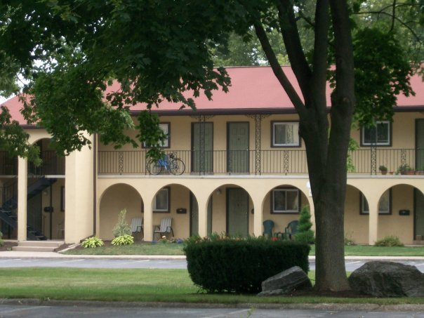 front of 2 story apartment buildings