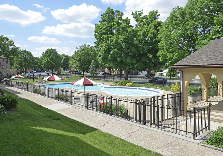 outdoor pool area with fencing